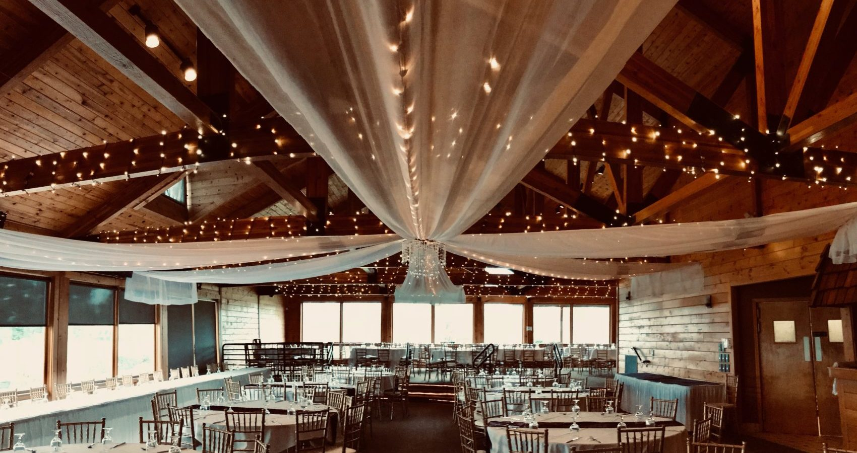 Barn wedding venues near me the Myth banquet hall Oakland county Michigan Macomb county Michigan wedding venues